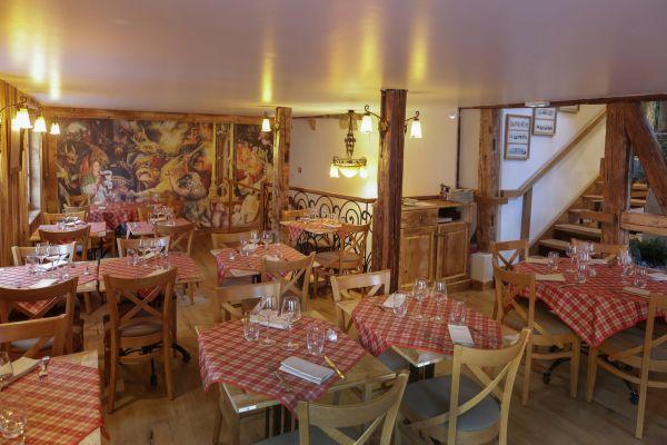 restaurant raffin cosy traditionnel alsace le fer rouge colmar point eco alsace. Black Bedroom Furniture Sets. Home Design Ideas